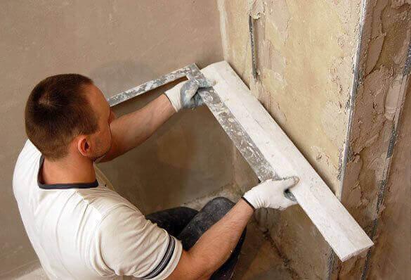 Выравнивание углов стен перед поклейкой обоев