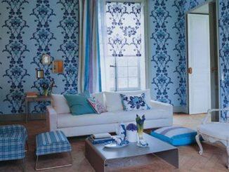 Синие, голубые обои в гостиной