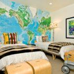 Фотообои карты мира в спальне