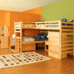 Обои для детской комнаты разнополых детей зелёные и оранжевые
