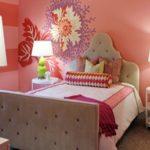 Розовые оттенки обоев для комнаты девочки