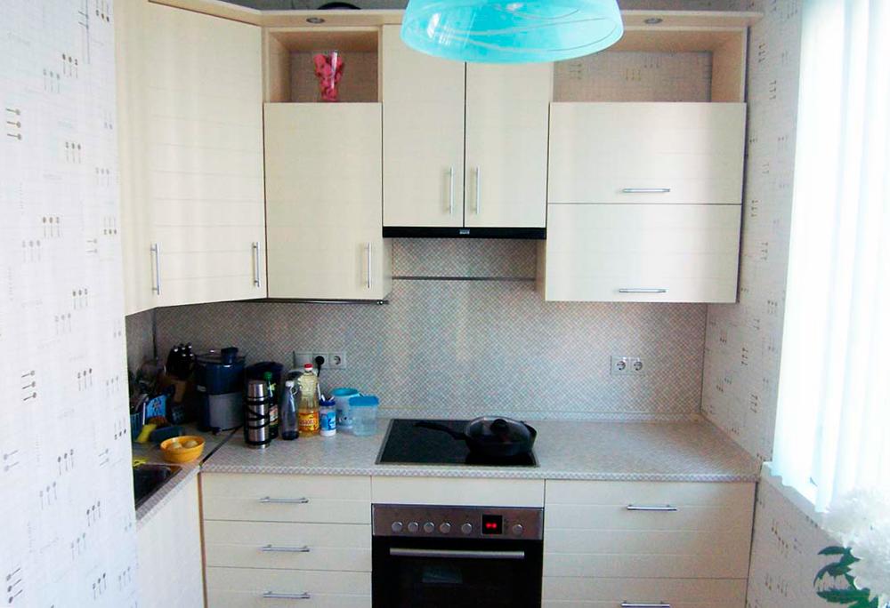 Дизайн обоев для маленькой кухни фото